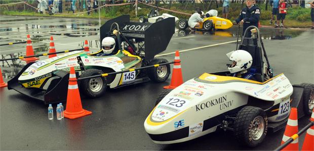 자작자동차 대회 AE Baja&Formula2014에서 KORA의 모습